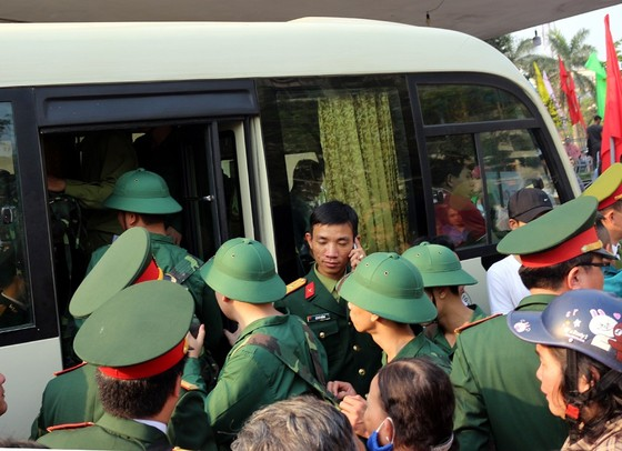 Tưng bừng ngày hội tòng quân tại Thừa Thiên - Huế. ảnh 1