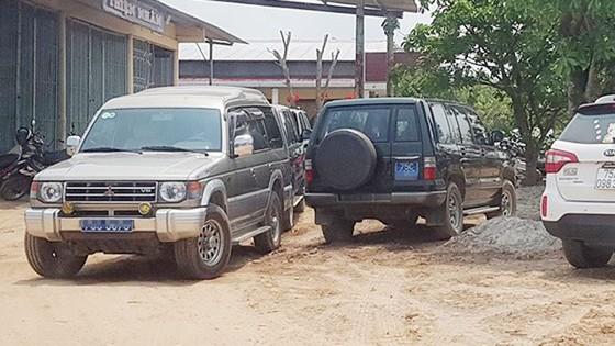 Ủy ban Kiểm tra Tỉnh ủy tỉnh Thừa Thiên - Huế xác minh vụ hàng loạt xe công đi ăn cưới ảnh 1