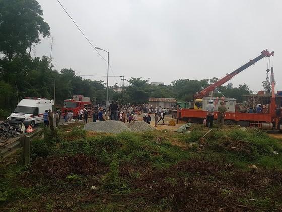Sập giàn giáo thi công cây xăng dầu tại Huế khiến nhiều người bị thương ảnh 5
