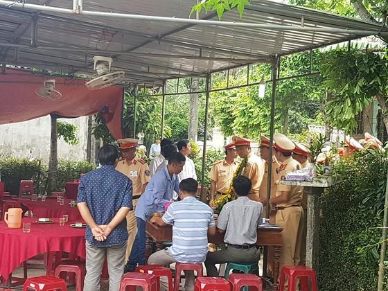 Báo SGGP trao tiền hỗ trợ gia đình chủ rể trong vụ tại nạn thảm khốc ảnh 3
