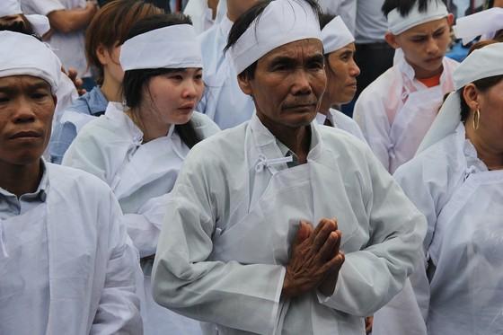 Báo SGGP trao tiền hỗ trợ gia đình chủ rể trong vụ tại nạn thảm khốc ảnh 7