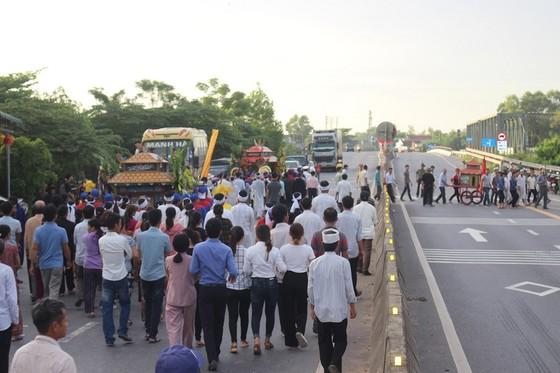 Tiễn đưa các nạn nhân vụ tai nạn giao thông tại Quảng Nam về nơi an nghỉ ảnh 7