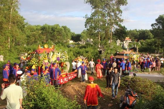 Tiễn đưa các nạn nhân vụ tai nạn giao thông tại Quảng Nam về nơi an nghỉ ảnh 8