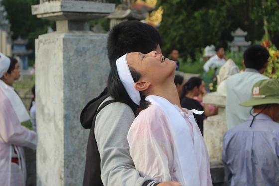 Tiễn đưa các nạn nhân vụ tai nạn giao thông tại Quảng Nam về nơi an nghỉ ảnh 6