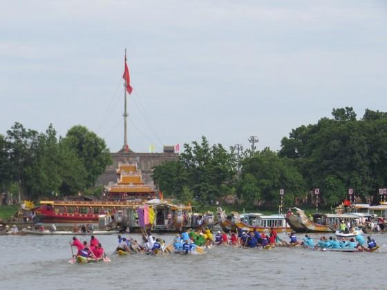 Gay cấn Giải đua ghe trên sông Hương  ảnh 1