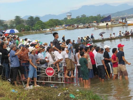Gay cấn Giải đua ghe trên sông Hương  ảnh 3