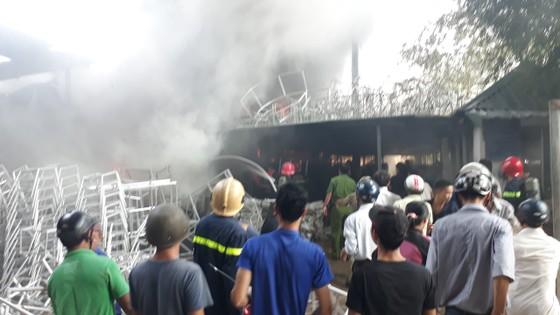 Cháy nổ lớn tại phân xưởng đan ở Huế ảnh 4