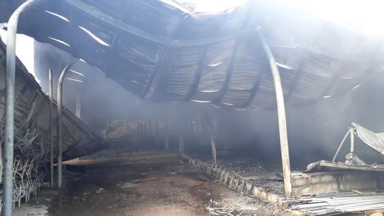 Cháy nổ lớn tại phân xưởng đan ở Huế ảnh 3