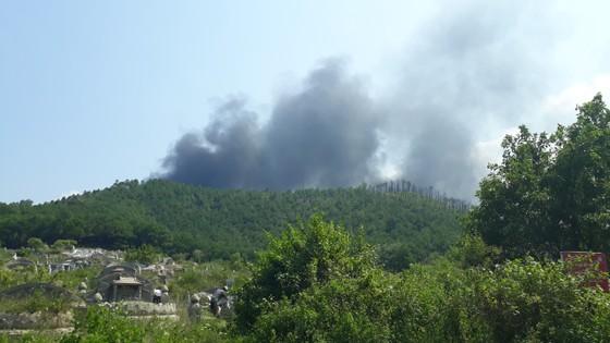 Cháy nổ lớn tại phân xưởng đan ở Huế ảnh 1