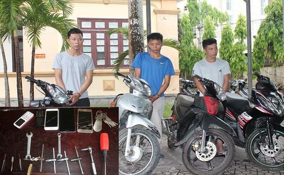 Bắt nhóm đối tượng trộm cắp xe máy liên huyện tại Hà Tĩnh ảnh 1