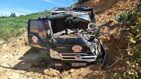 Sập mỏ, 2 xe tải bị vùi lấp cùng tài xế ảnh 9