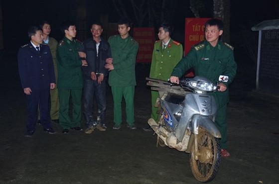 Vận chuyển 8.000 viên ma túy tổng hợp lãnh án tù chung thân ảnh 4