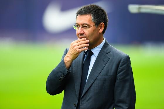 Bartomeu không rời khỏi Barcelona bằng việc từ chức. Ảnh: Getty Images