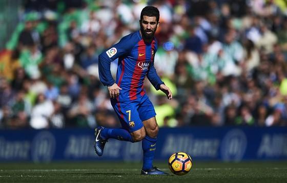 Turan xem như không còn tương lai tại Barcelona. Ảnh: Getty Images