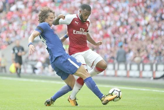 Arsenal (phải) và Chelsea sẽ quyết đấu để chiến thắng. Ảnh: Getty Images