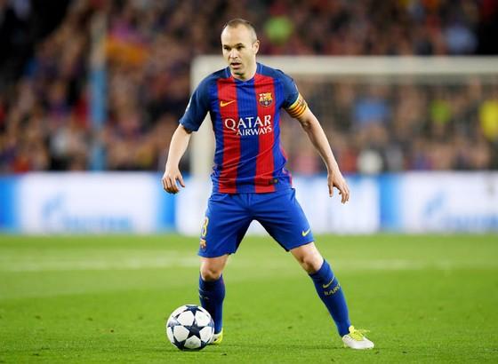 Iniesta không còn tương lai tại Nou Camp. Ảnh: Getty Images