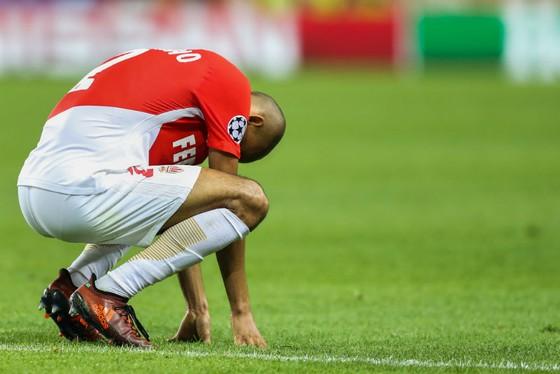 Nỗi thất vọng của tiền vệ Fabinho sau khi AS Monaco bại trận trước Besiktas. Ảnh: Getty Images