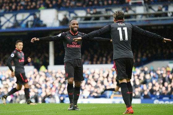 Everton - Arsenal 2-5: Rooney tái lập siêu phẩm, nhưng Everton vẫn thua thảm ảnh 1