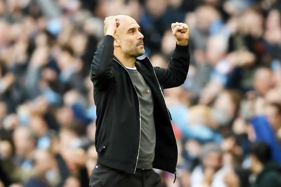 Những màn ăn mừng phấn khích của Pep Guardiola đang đến nhiều hơn. Ảnh: Getty Images