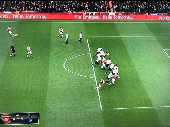 Arsenal - Tottenham 2-0: Khi trọng tài là nhân vật chính ảnh 1