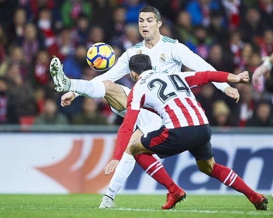 La Liga vòng 14: Barca và Real chia điểm trong tiếc nuối ảnh 1