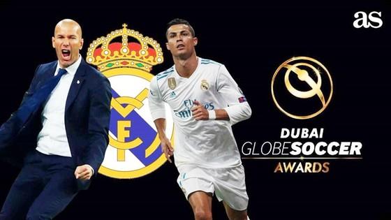 Ronaldo và Zidane được vinh danh. Ảnh: AS
