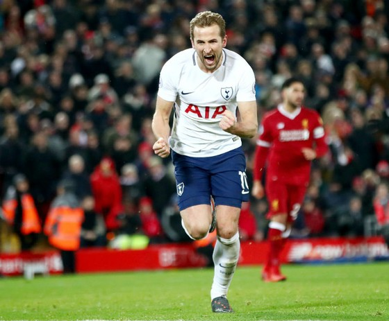 Harry Kane mừng bàn thắng thứ 100 trong sự nghiệp tại Premier League. Ảnh: Getty Images