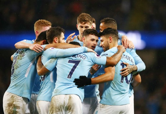 """Man.City - Leicester 5-1: Dấu ấn """"siêu tiền đạo"""" Aguero ảnh 1"""