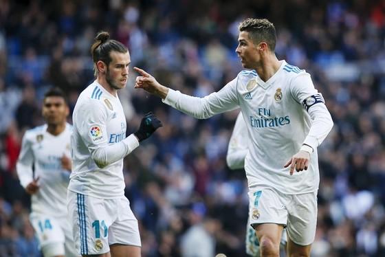 Ronaldo và Bale chói sáng trước Alaves. Ảnh: Getty Images