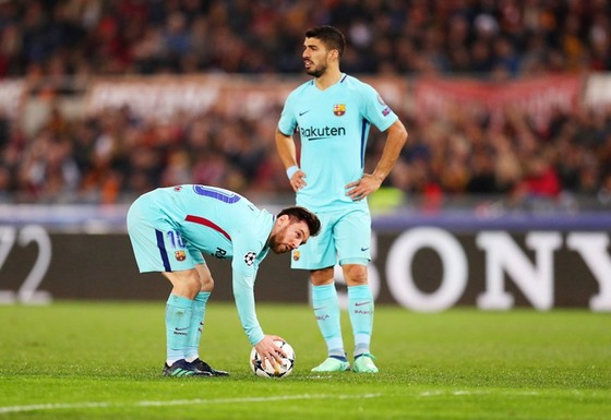 Messi và Suarez khiến đồng đội cảm thấy khó chịu. Ảnh: Getty Images