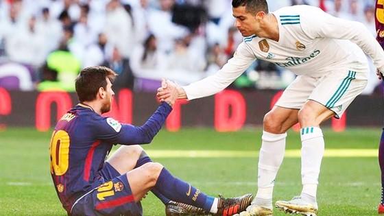 Ronaldo vượt trội Messi về khản năng ghi bàn tại các vòng knock-out Champions League. Ảnh: Youtube