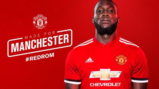 Khi mới đến Man.United, Lukaku chịu áp lực rất lớn khi thay thế vị trí của danh thủ Wayne Rooney và kế thừa chiếc áo số 9 của huyền thoại Zlatan Ibrahimovic. Ảnh: ManUtd.com