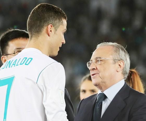 Ronaldo được Chủ tịch Perez tăng lương, nhưng cũng chỉ xếp thứ ba so với Neymar và Messi. Ảnh: Getty Images