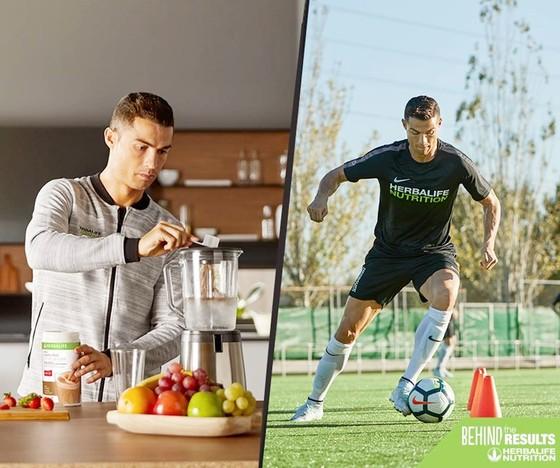 Chế độ ăn ống luôn rất được Ronaldo chú trọng. Ảnh Facebook nhân vật.