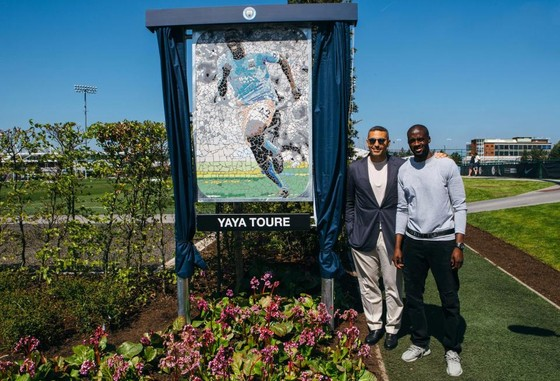 Từ bây giờ, một sân tập trong học viện của Manchester City sẽ mang tên huyền thoại Yaya Toure. Ảnh: The Sun
