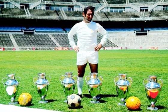 Huyền thoại Gento từng giành 6 cúp C1 cùng Real.