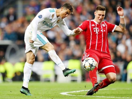 Ronaldo thường khiến các trung vệ gặp rất nhiều khó khăn. Ảnh: Getty Images