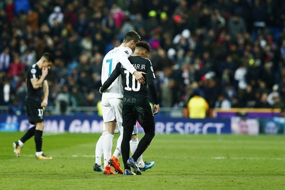 """Tiếp tục """"nóng"""" chuyện Ronaldo rời Real ảnh 1"""