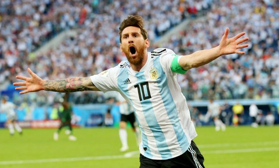 Lionel Messi phấn khích với bàn thắng đầu tiên trên đất Nga. Ảnh: Getty Images