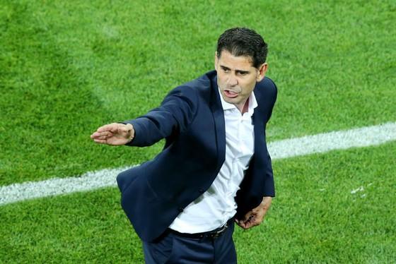 HLV Fernando Hierro đã mất niềm tin vào David De Gea? Ảnh: Getty Images