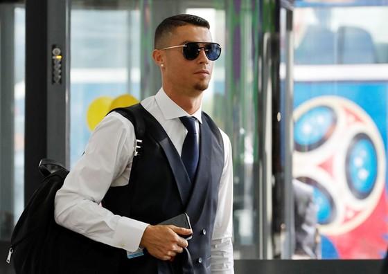 Ronaldo đã về nước sau thất bại trước Uruguay.  Ảnh: Getty Images