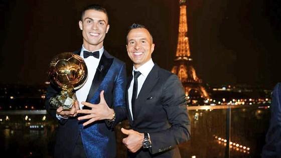 Mendes cho rằng nếu Ronaldo ra đi là tìm thử thách mới. Ảnh Marca.