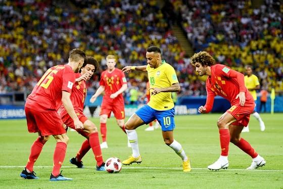 Neymar bị phong tỏa bởi các cầu thủ Bỉ. Ảnh: Getty Images