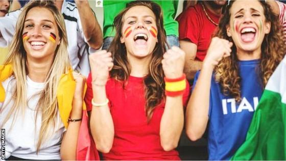 FIFA đang đẩy mạnh việc quan tâm đến vấn đề phân biệt giới tính ở World Cup. Ảnh: BBC.