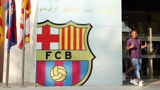 Malcom ra mắt Barca. Ảnh: AS.