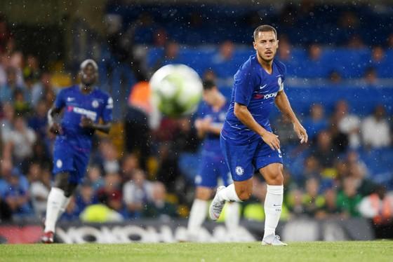 Eden Hazard chắn đang chịu tác động tâm lý sau khi là cầu thủ Bỉ duy nhất còn ở lại Chelsea. Ảnh: Getty Images