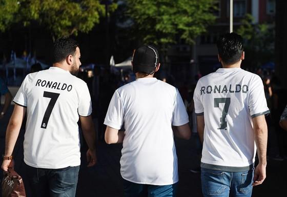 Không Ronaldo, người hâm mộ quay lưng với Real? ảnh 2