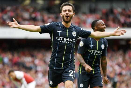 Bernardo Silva mừng bàn thắng ở trận thắng Arsenal. Ảnh: Getty Images