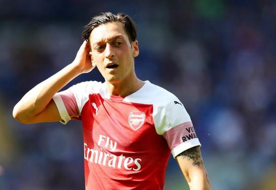 """Sao Arsenal đòi """"công bằng"""" cho Oezil ảnh 1"""