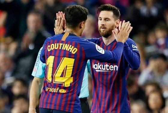 Coutinho không hiểu lý do tại sao Barca bại ở Champions League dù có Messi. Ảnh: soccerladuma.